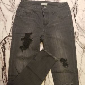 Distressed Ankle Jegging